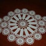 motifli dantel tepsi örtüsü modeli