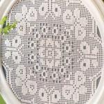 oval kelebek motifli dantel tepsi örtüsü