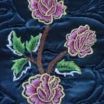 pembe çiçek desenli çin iğnesi seccade modeli
