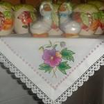 pembe çiçekli kumaş boyama peçete modeli