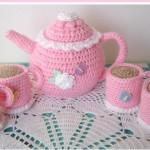 pembe örgü oyuncak çay takımı örneği