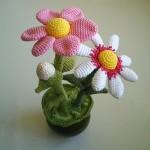 pembe beyaz çiçekli amigurumi modeli