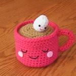 pembe fincanlı amigurumi kahve modeli