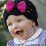 pembe fiyonklu şirin bebek beresi modeli