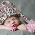 pembe ponponlu örgü bebek beresi  modeli