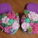 rengarenk çiçek desenli örgü terlik modeli