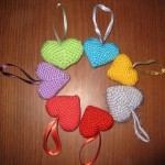 rengarenk örgü kalpli anahtarlık modelleri