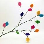 rengarenk ağaç yapraklı örgü duvar süsü modeli