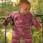 rengarenk akıllı ip örgü bebek tulumu modeli