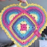 rengarenk kalp motifli örgü modeli