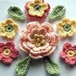 rengarenk yapraklı  örgü çiçek modelleri