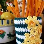 sarı çiçekli örgü kalemlik modeli