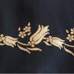 sarı yaldızlı lale desenli kumaş boyama örneği