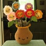 sevimli örgü saksı ve örgü çiçek modeli
