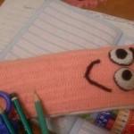 sevimli turuncu örgü kalem cüzdanı modeli