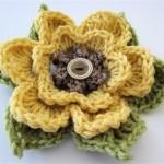 tığ işi sarı örgü çiçek modeli