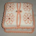turuncu çiçek motifli dantel peçetelik modeli