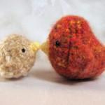 turuncu sarı anne ve yavru kuş modeli