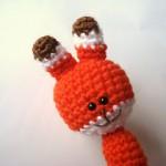 turuncu tavşan figürlü örgü parmak kukla modeli