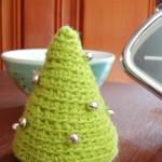 yeşil çam ağacı desenli örgü iğnelik modeli