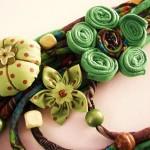 yeşil çiçek desenli kumaş kolye modeli