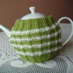 yeşil beyaz örgü çaydanlık kılıfı örneği