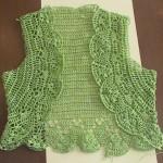 yeşil kısa dantel yelek modeli
