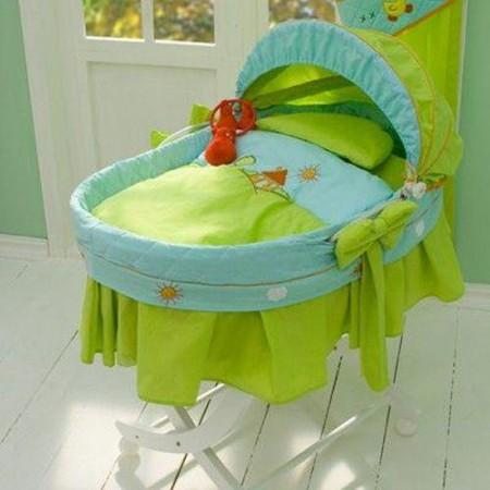 yeşil mavi bebek beşik sepeti modeli