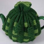 yeşil renkli örgü çaydanlık kılıfı modeli