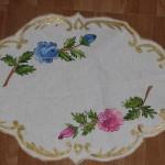 yuvarlak kumaş boyamalı örtü modeli