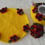 yuvarlak sarı renkli örgü nihale ve çaydanlık modeli