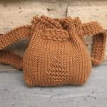 açık kahverengi örgü sırt çantası modeli