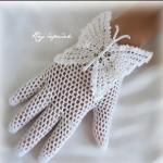 beyaz kelebek desenli örgü eldiven modeli