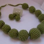 hediyelik fıstık yeşili örgü kolye ve küpe modeli