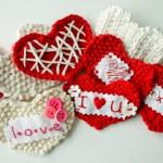 kırmızı beyaz örgü kalp modelleri