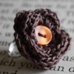 kahverengi düğmeli hediyelik örgü yüzük modeli