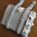 minik kurdale desenli örgü kitap çantası modeli