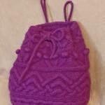 mor renkli üzeri desenli örgü sırt çantası modeli