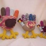rengarek örülmüş örgü tavuk modelleri
