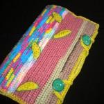 rengarenk örülmüş düğmeli örgü kitap çantası modeli