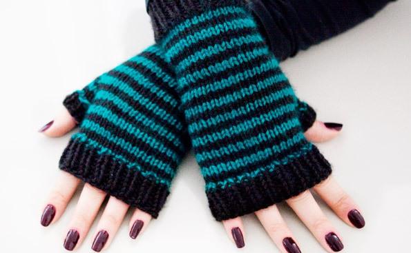 Easy Knitting Patterns For Dishcloths : Yarim Parmakli orgu Eldiven Modelleri knitting gloves eldivenler   By nisa5