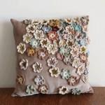 çiçek motifli yastıklar