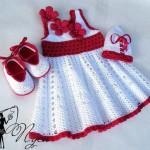 örgü bebek elbise patik ve şapka modeli
