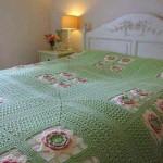 örgü yatak örtüsü motifli