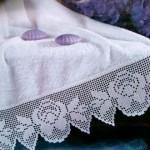 gül desenli dantel havlu kenarı
