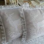 geyik desenli dantel yastık