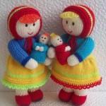kırmızı başlıklı kız çocok ve oyuncak bebeği