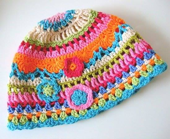 tığ işi rengarenk şapka modeli
