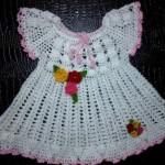 beyaz gül morifli örgü elbise