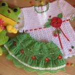beyaz yeşil bluz ve etek modeli